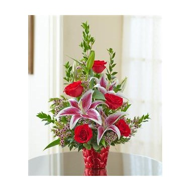 sweet-heart-roses-stargazer-lilies-in-a-valentine-s-day-vase